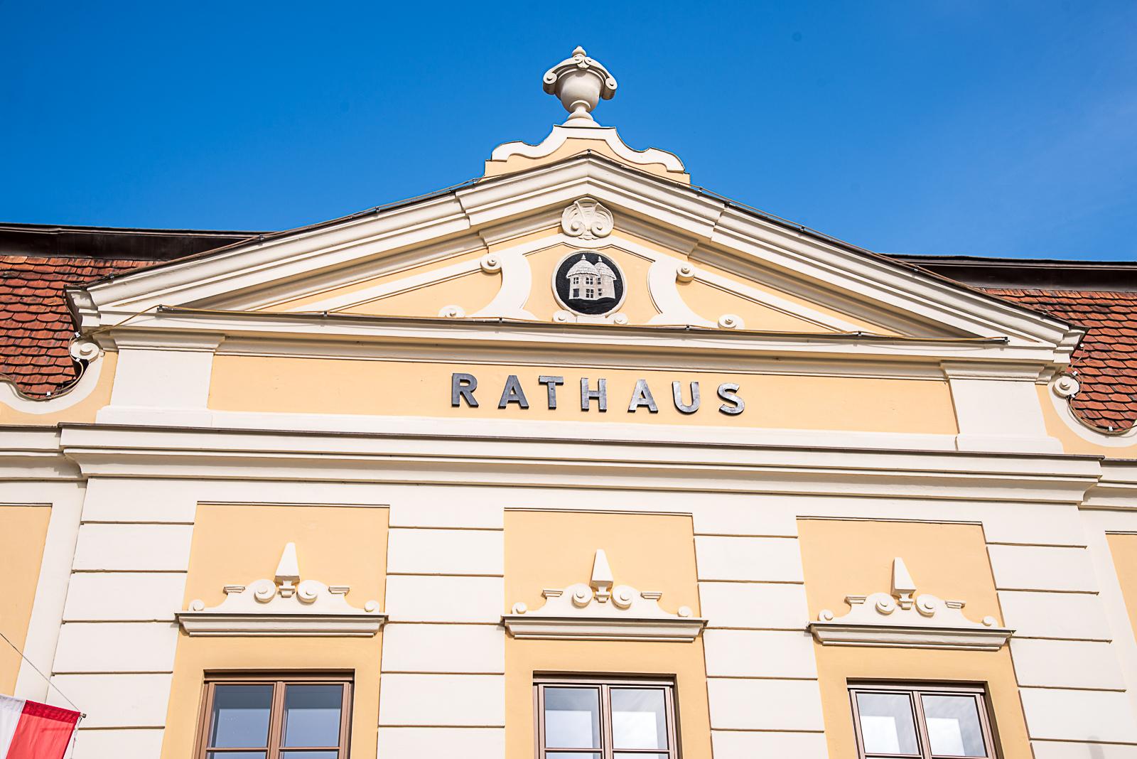 Rathaus-Pottenstein-Hauptplatz-2