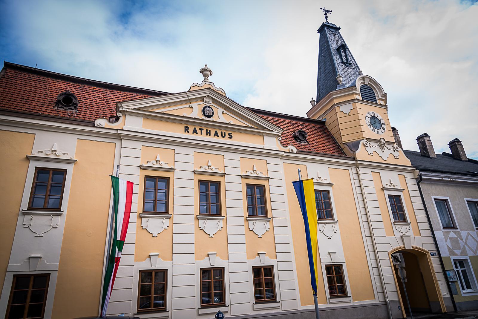 Rathaus-Pottenstein-Hauptplatz